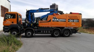 chipper mounted crane with cabin