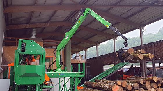 marchesi-gru-stazionaria-su-impianto-lavorazione-legna-da-ardere