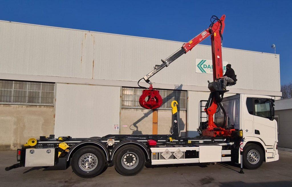 marchesi-crane-for-scrap-metal-sector