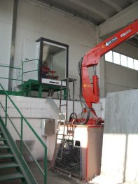 stationary-crane-for-industrial-applications