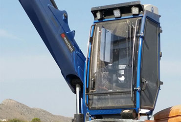 Cabin-for-forestry-loaders-and-recycling-cranes