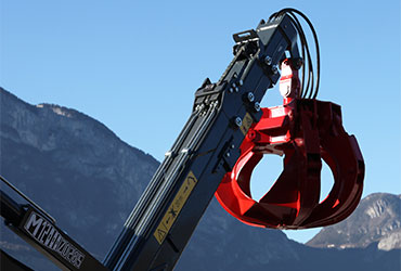 Chain-system-for-forestry-loaders-and-recycling-cranes