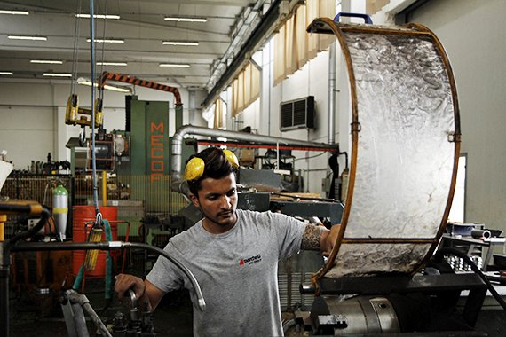 machine-tools-processing-for-recycling-and-scraps-cranes