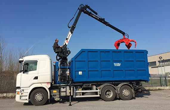 crane-for-scrap-metal-collection-r-series